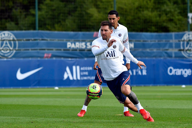 Lionel Messi in PSG training ahead of his Ligue 1 debut