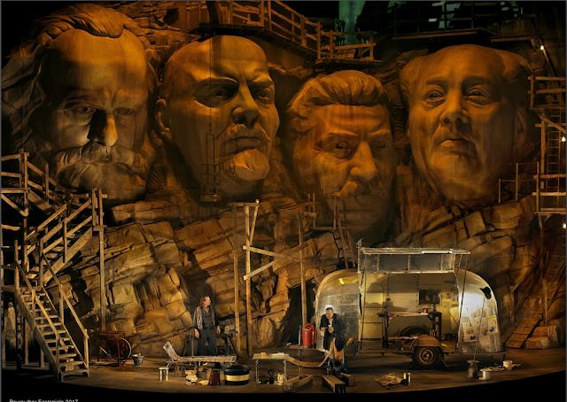 Wagner: Siegfried  (Act 1) directed by Frank Castorf - Stefan Vinke (Siegfried), Andreas Conrad (Mime) - Bayreuth Festival 2017 (©Bayreuther Festspiele / Enrico Nawrath)