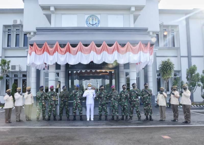 13 Perwira Lantamal IV dan 8 PNS Sederajat Resmi Menyandang Pangkat baru