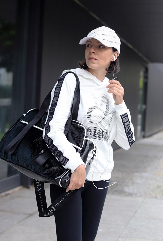 Modne ubrania sportowe stylizacje