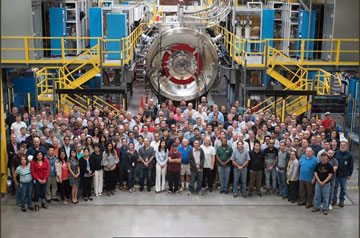 TAE fusion power machine and research team (Source: TAE twitter feed)