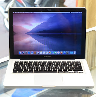 "Jual MacBook Pro Core i5 13"" Late 2011 Second Laptop"