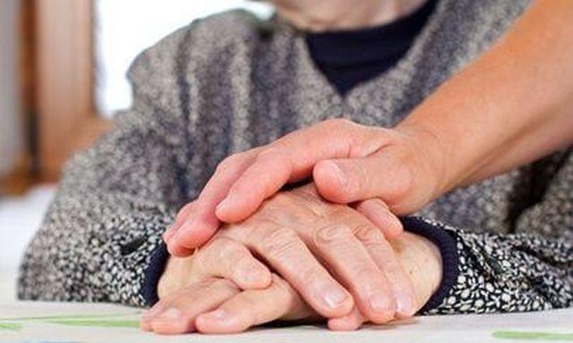 Ναύπλιο: Κυρία αναλαμβάνει τη φύλαξη ηλικιωμένου ή εργασία σε λάντζα