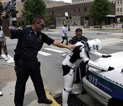 Stormtrooper de star wars arrestado