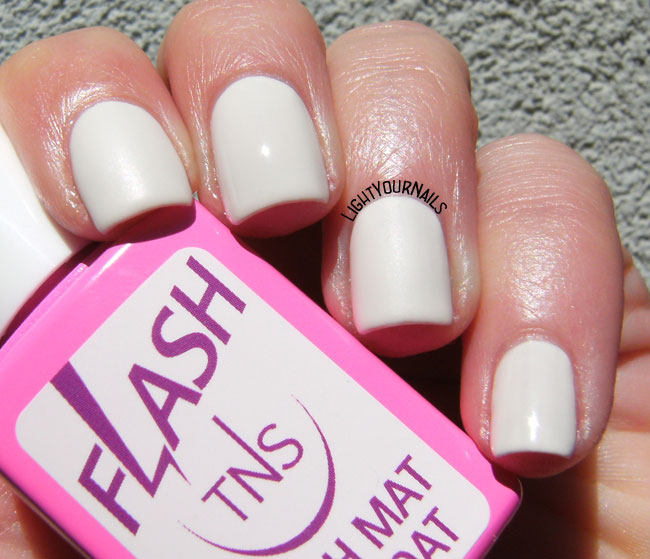 TNS Cosmetics 465 You & Me + Flash mat top coat