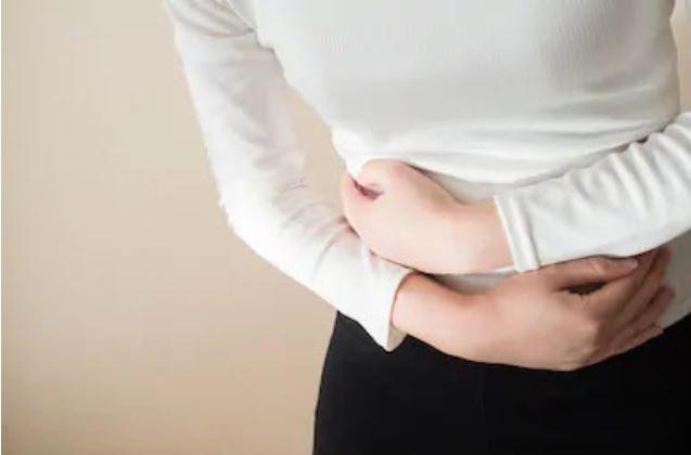 اعراض القولون العصبى عند النساء ومضاعفاته وطرق علاجه