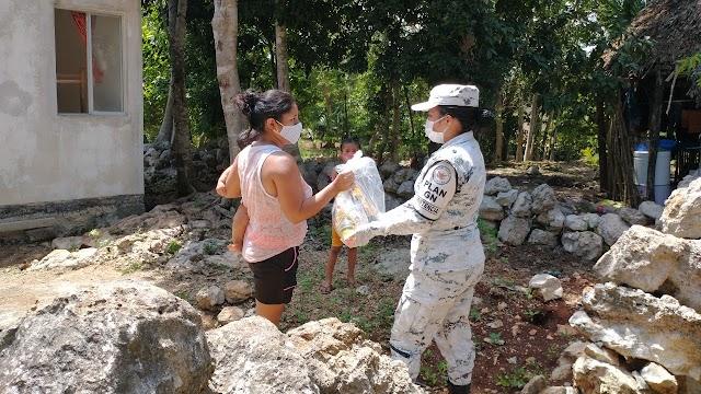 GUARDIAS NACIONALES ENTREGAN PRODUCTOS BÁSICOS A FAMILIAS DEL MUNICIPIO DE TIXMÉHU