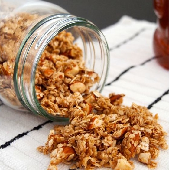 Super Simple Granola #easygranola #simplerecipe