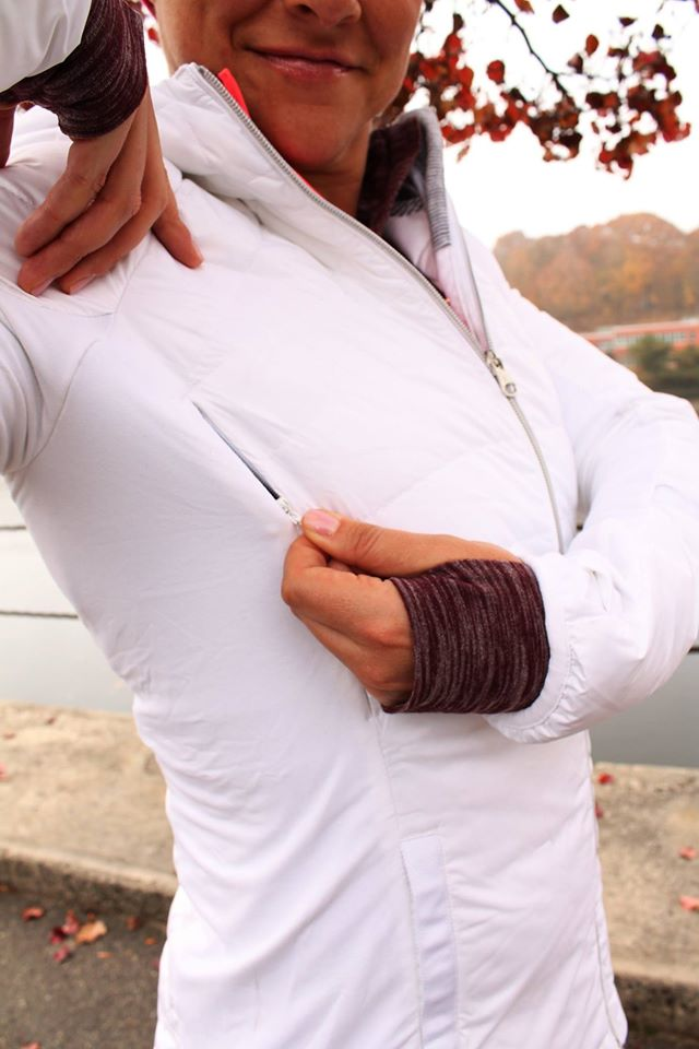 lululemon-down-for-a-run-jacket toasty-tech-tight