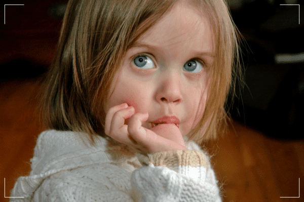 Parmak Emen Çocuğa Ne Yapmalı?