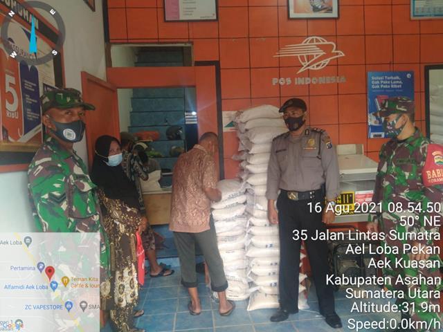 Pengamanan Pembagian BST dan BB PPKM Dilakukan Personel Jajaran Kodim 0208/Asahan
