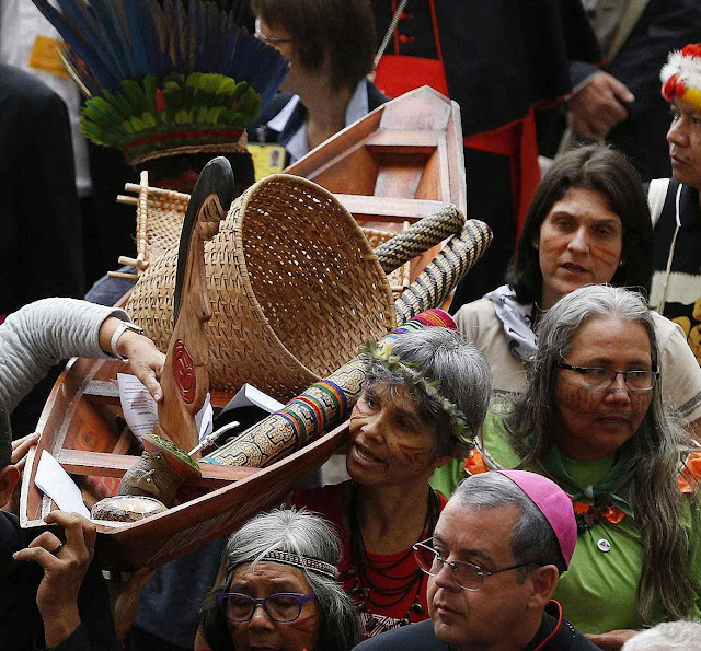 Exaltação do primitivismo na prévia do Sínodo Pan-amazônico