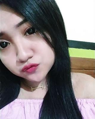 Cewek IGO Selfie Duck Face Bibir Monyong Cantik  rambut hitam