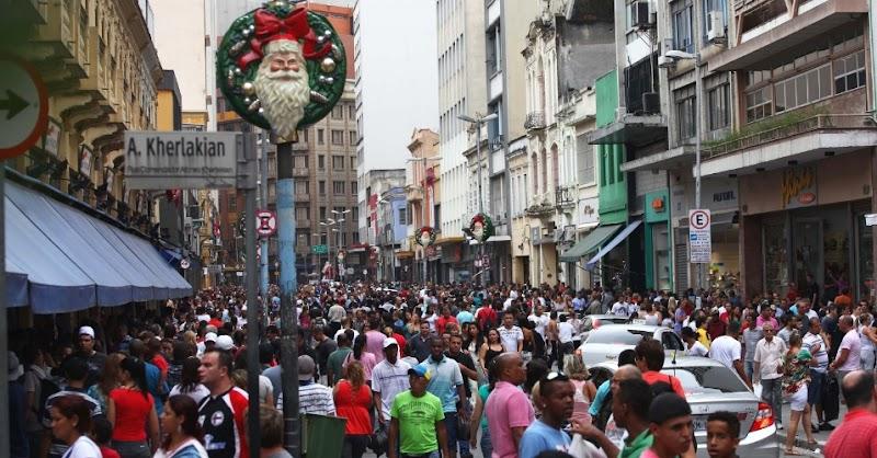 14,6 milhões de consumidores devem fazer compras de última hora neste Natal, estima SPC Brasil e CNDL