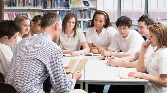 शिक्षकों और विद्यार्थियों के आपसी सम्बन्ध