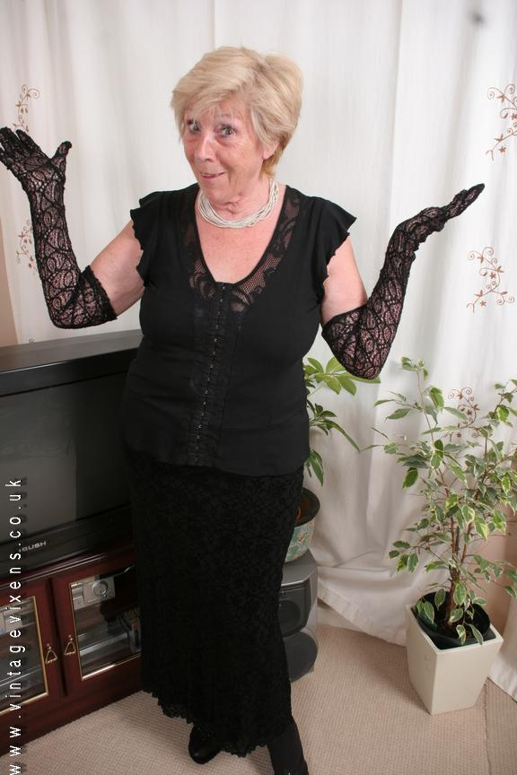 88 year old women fucked - 3 8