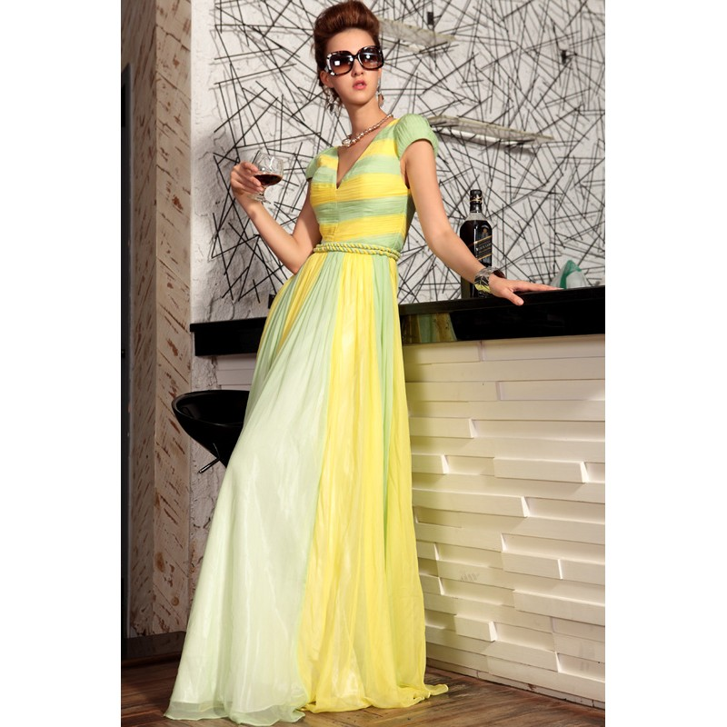 Entertainment News: Latest Semi Formal Dresses Collection 2013