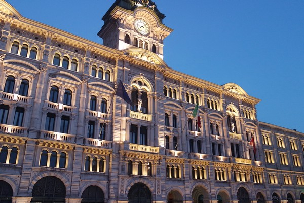 trieste Piazza Unità hôtel de ville