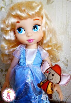 Большая игрушка Золушка с мышкой из диснеевского мультфильма