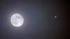Lua, Júpiter e 4 das luas são vistas a olho nu