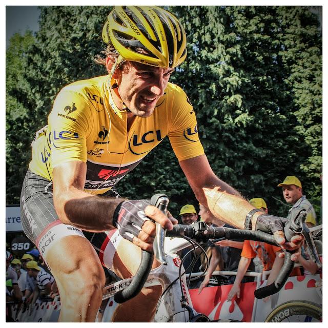 8137b64e5a3 De onfortuinlijke Fabian Cancellara kon slechts één dag genieten van het  geel.