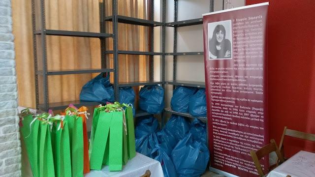 Τρόφιμα από το  Ίδρυμα Γεωργία Σαμαρτζή σε οικογένειες που έχουν ανάγκη