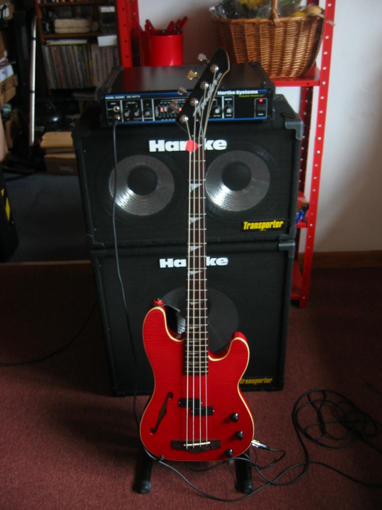 Fender HMT Bass guitar