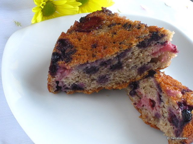 Eggless Berry-Yogurt Upside Down Cake
