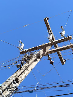 VÍDEO| Gato de Energia elétrica feito pela prefeitura Municipal de Guadalupe do Piauí causa Curto Circuito