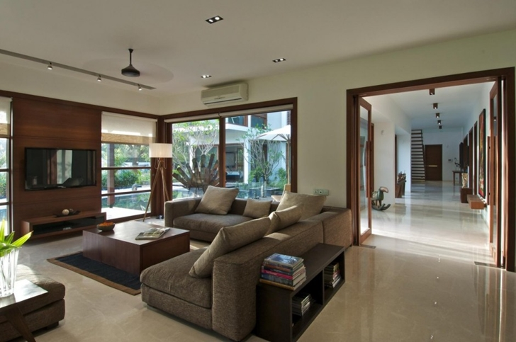 Living room in Courtyard Home by Hiren Patel Architects