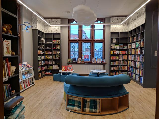 kącik dla dzieci w bibliotece na dworcu głównym Wrocław