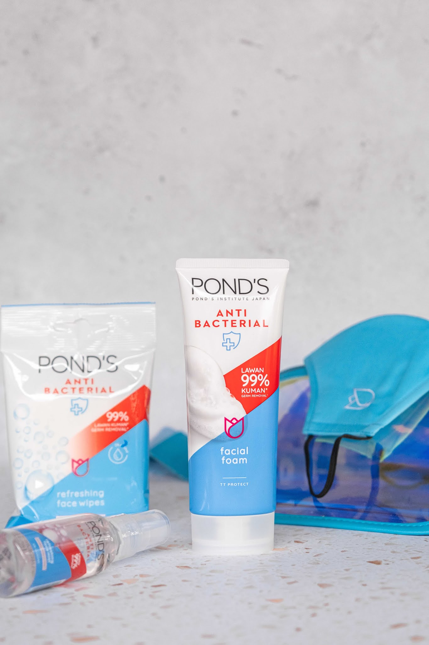 Pond's Anti-Bacterial Range