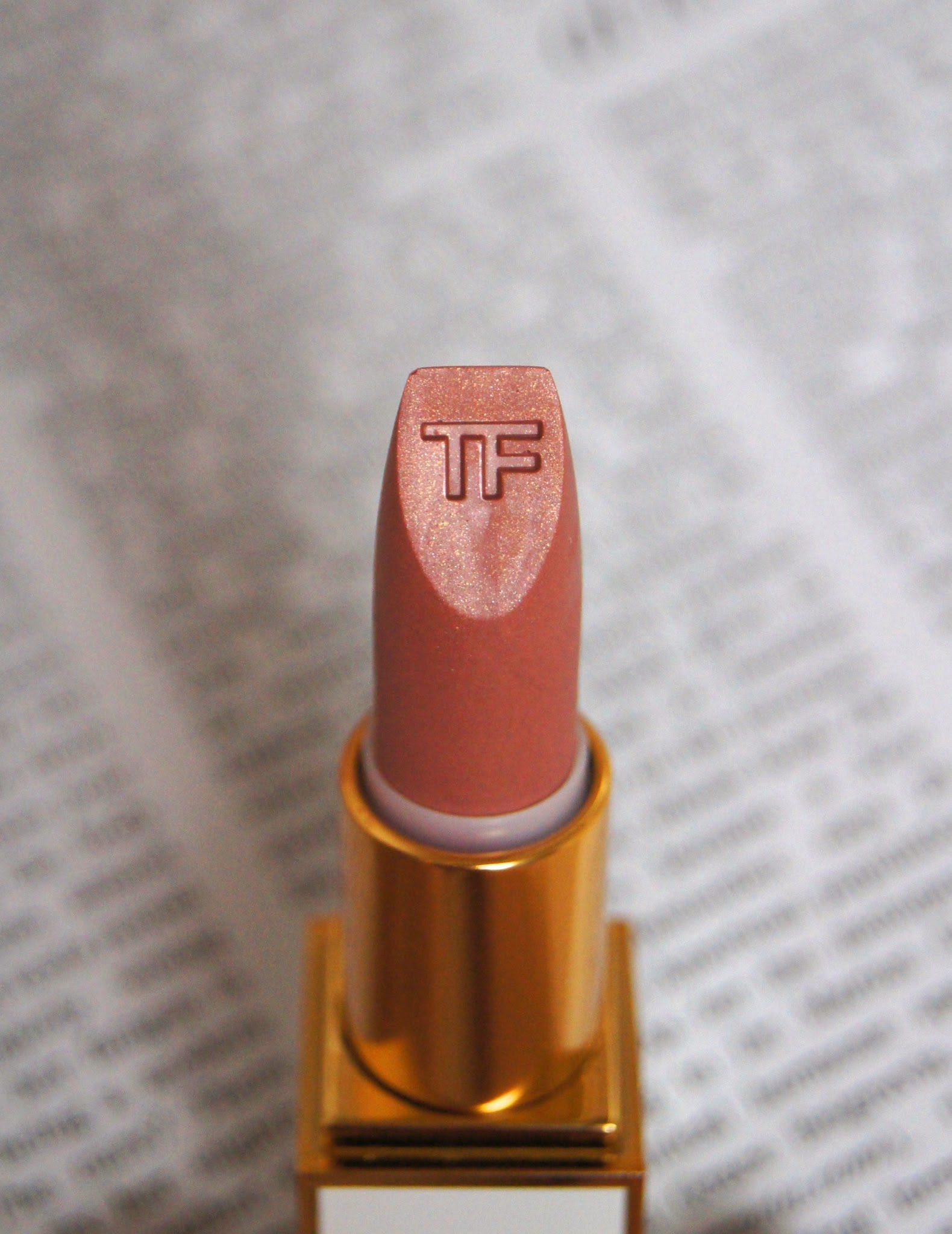 tom ford color sheer lipstick review swatch 01 in the buff