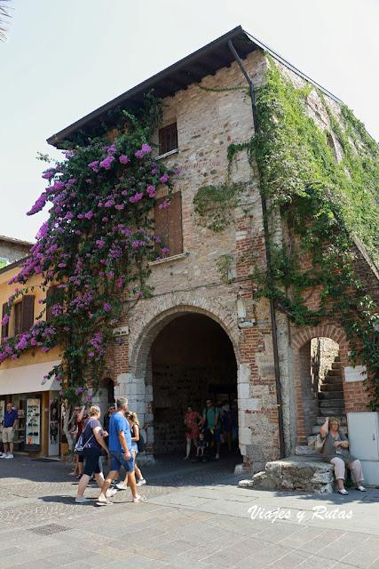 Calles de Sirmione, Italia
