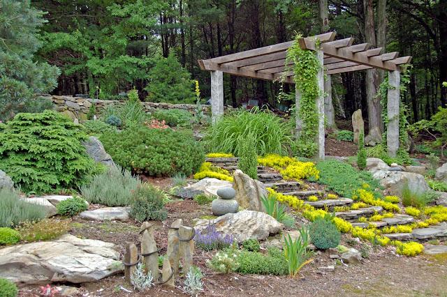 accès jardin de rocailles