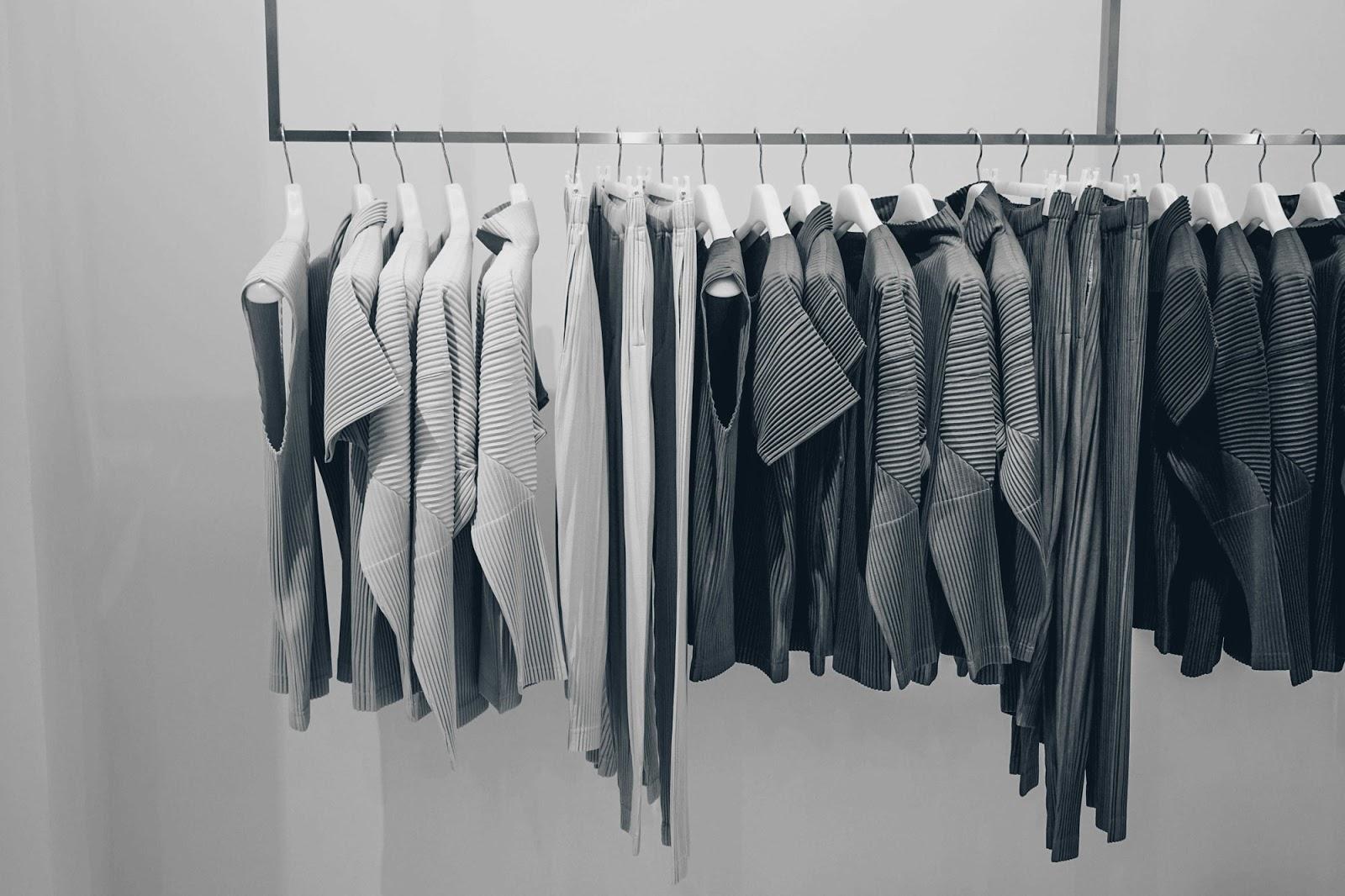 Fast fashion: um ano sem consumir em lojas de departamento