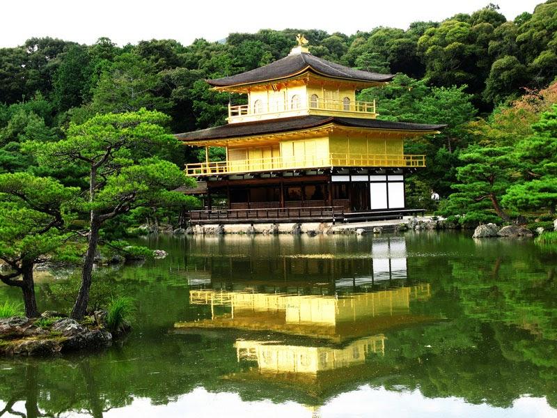 Kuil-Paviliun-Emas-di-Jepang