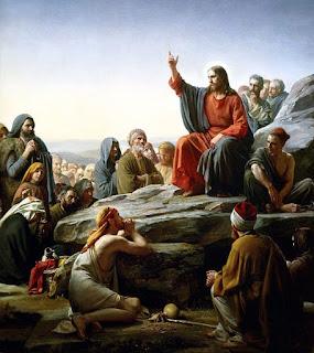 Jesus prega ao povo e aos Apóstolos, ensinando-lhes a oração do Pai-Nosso durante o Sermão da Montanha. pintura O Sermão da Montanha, de Carl Heinrich Bloch (c.1877)