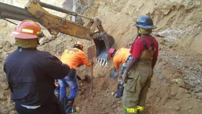 Muere Hombre aplastado por deslizamiento de tierra en Santiago