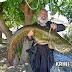 """Δεν πίστευε στα μάτια του..Ιερέας """"έβγαλε"""" ψάρι 35 κιλών  και το μοίρασε στους συγχωριανούς του!"""
