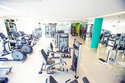 dụng cụ tập gym tại trung tâm cao cấp
