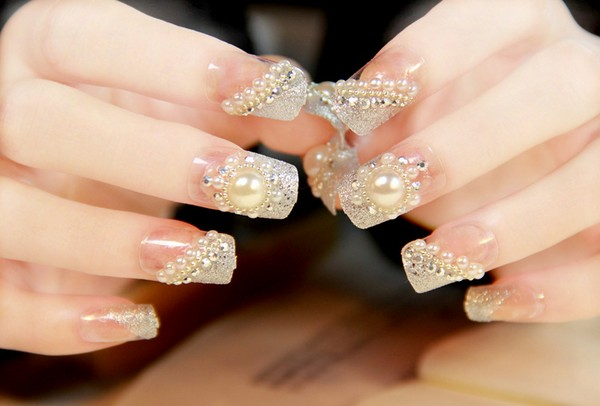 latest-gorgeous-wedding-fake-nail-art-designs-for-bride-8