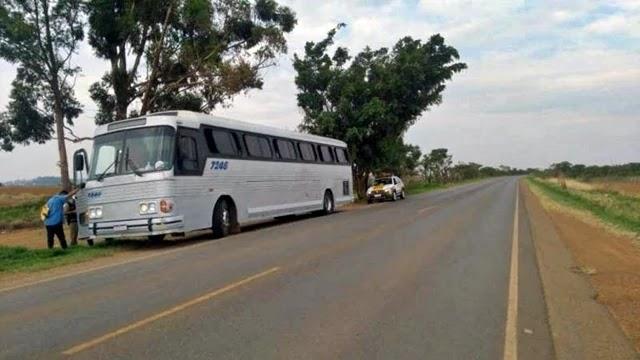 A equipe da PMR-MG afirmou que o ônibus não possui autorização da Agência Nacional de Transporte Terrestres.