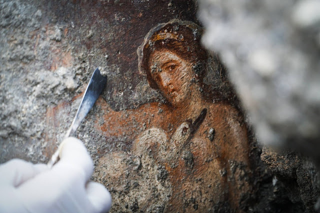 Erotic fresco uncovered in Pompeii