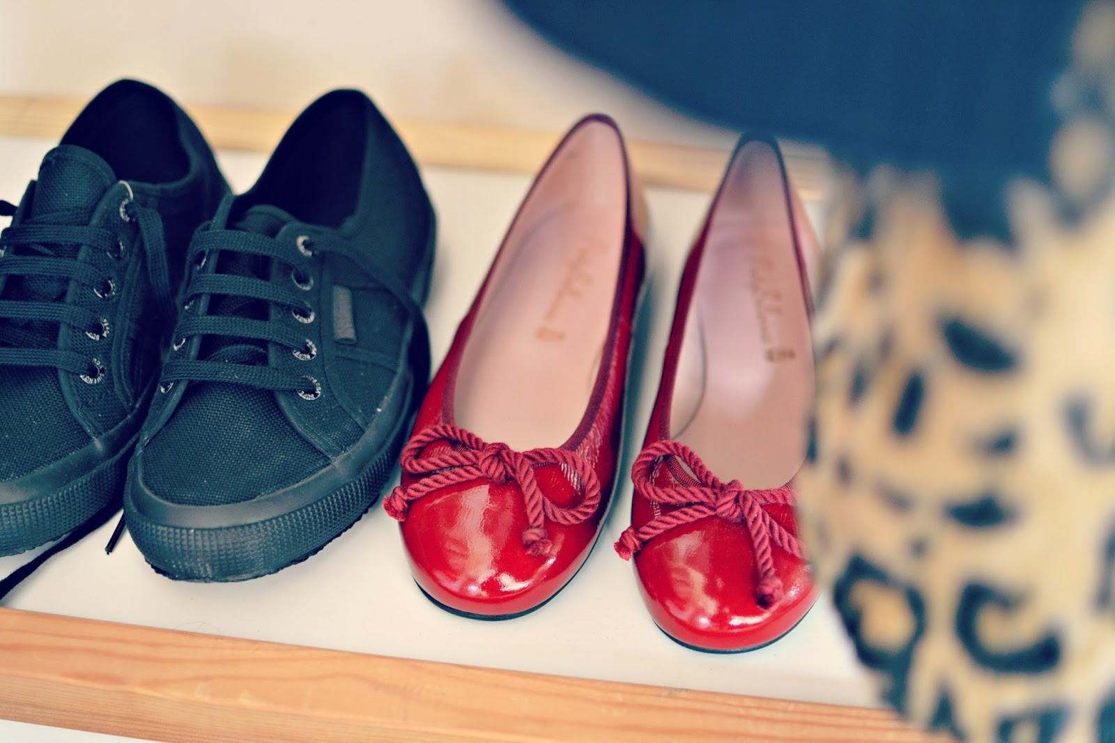capsule wardrobe shoes, pretty ballerinas, superga