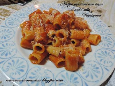 Fotografia del piatto Mezzi rigatoni con sugo di coda alla Vaccinara di Fabiola Falgone del blog RossoPomodoro