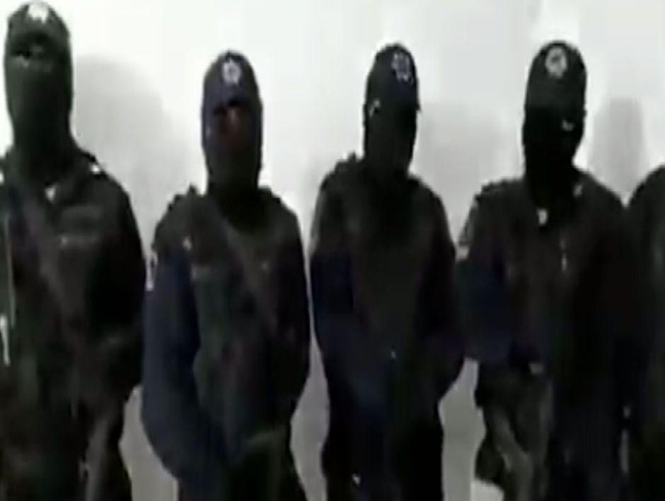 """Video, Elementos de la SSP exponen a mandos de la SSPC por estar al servicio de """"Pelón de Playas del Rosario"""" en Tabasco"""