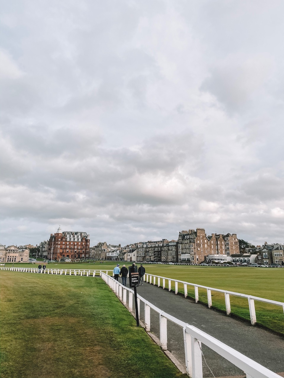 travel blogger Amanda's OK visits St Andrews golf course