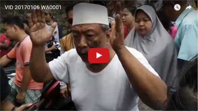 [VIDEO] Tak Terima Anaknya Digiring ke Polsek karena Tolak Kampanye Ahok, Haji Yakub Protes