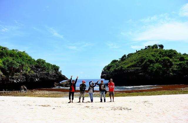 Halo Pantai Sedahan, semoga tetap bersih dan sunyi